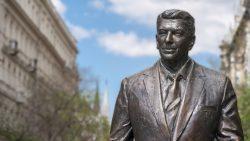 Reagan Statue